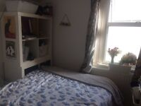 Girl wanted for double room in a cosy house off church road