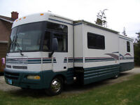 2000 Winnebago Chieftain Motorhome 34 ft.