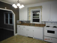 2 Bedroom Apartment Available Immediately!