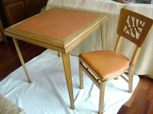 Vintage folding table and chair