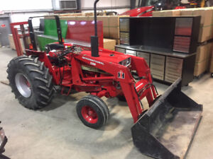 MINT Internation 484 Tractor with International 2200 Loader