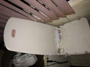 bath lift for tub archimedes lift new remote an battrie 650.00