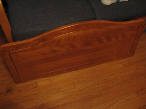 SINGLE BED HEAD BOARD AND FOOT BOARD SOLID WOOD Cambridge Kitchener Area image 2
