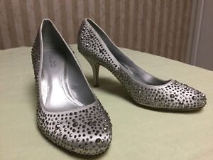 """Aldo high heal silver shoes """"new"""""""