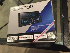 Kenwood dual din sized CD receiver with USB interface