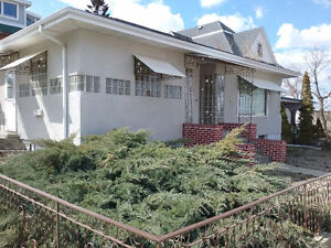 5 bedroom large house for rent