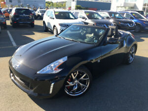 LIKE NEW Nissan 370z 2013. 2800KM