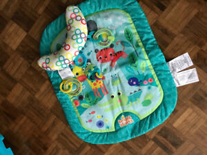 Bright stars  play mat new condition in a box