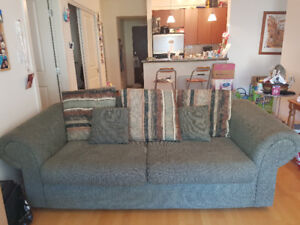good condition and comfortable couch set
