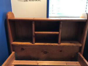 Single bed with headboard/shelves and 3 drawers
