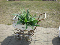 UNIQUE VINTAGE BABY STROLLER FOR HOUSE OR GARDEN / POUSSETTE
