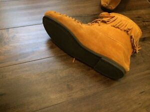 Moccasin Suede Leather Boots!