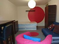 GREAT DOUBLE ROOM FOR YOU-DISCOUNTED-STREATHAM-LOOK!