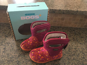 Size 7 Girls Bog Winter Boots (cranberry color)