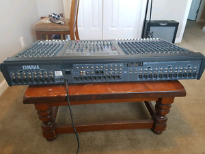 24 channel live sound mixing board