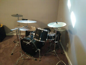 Beginner 5-piece drum kit