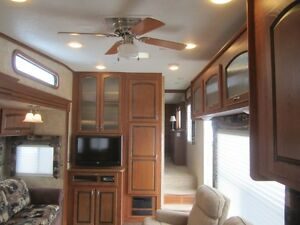 2010 Jayco Eagle 313 RKS 5TH Wheel Travel Trailer **CLEAN UNIT** London Ontario image 10
