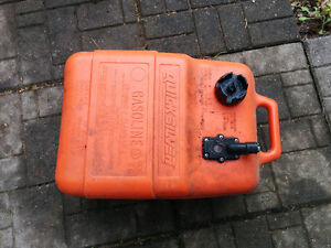 Gas tank for small boat
