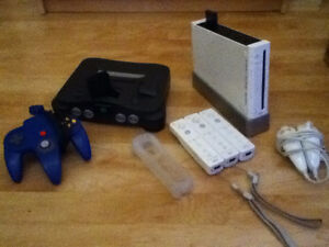 Selling RETRO console and games too !