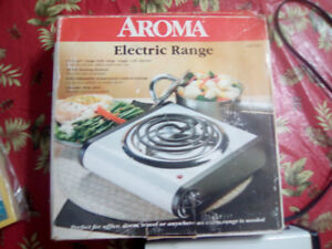 LIKE NEW APARTMENT SIZE SINGLE BURNER STOVE 20.00