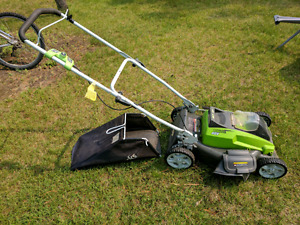 Greenworks lithium battery lawnmower