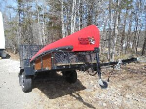 EXCELLENT UTILITY TRAILER....SIZE 11 FT X 4 FT,,,,NEW TIRES