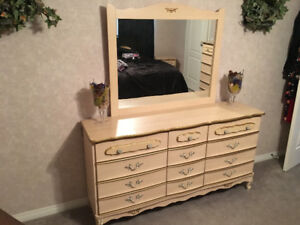 8 Piece French Provincial queen size bedroom set