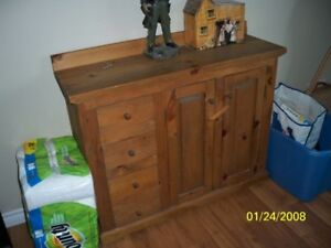 meuble reproduction antique en bois fabrication artisanale
