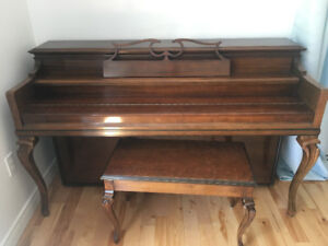 Piano with storage bench Willis and Co. Montreal