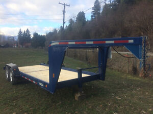 Goose neck trailer with lift off stock rack