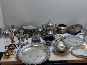 A lot of silver plate dinnerware