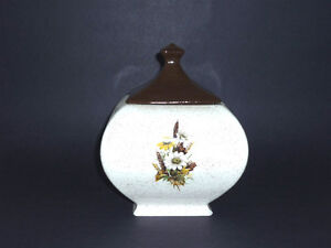 square fat Cookie / Trinket / Candy Jar . In excellent condition Cambridge Kitchener Area image 2