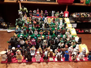 Lego minifigures at the forum