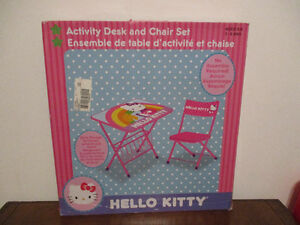 Table  Hello  Kitty + Chaise   3-8 ans