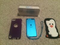 Blue iPod touch 5th generation + 2 cases