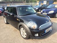 MINI COOPER D 1.6 PANORAMIC SUNROOF 6 SPEED SAT NAV 3 DOOR 2010 / ROAD TAX FREE /EXCELLENT CONDITION
