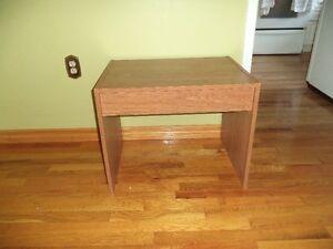 Wood Grain End Table/Night SideTable