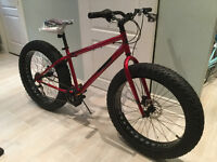 Fat Bike - Mongoose Hitch 7 Speed - HUGE Tires