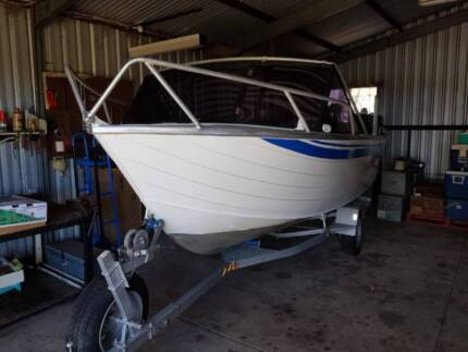 Quintrex runabout 4.8 johnson 70 hp