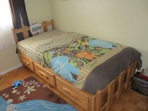 Single bed (captain) solid pin wood West Island Greater Montréal image 3