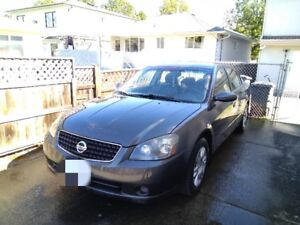 Excellent condition Nissan Altima 2.5S leather/heated seats