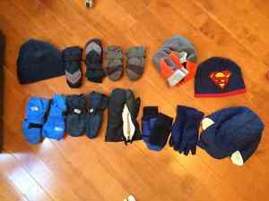 Boys winter gloves and hats Cambridge Kitchener Area image 1