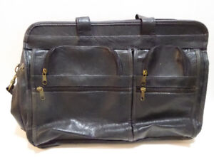MEN'S BLACK LEATHER SOFT-SIDED BRIEFCASE - MINT COND.