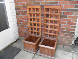 outdoor planters with trellis