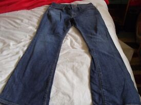 Gap size 8 to 10 6A curvy jeans flare 31 inch leg from america