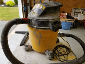 12 Gallon Wet Dry Vacuum with Attachments
