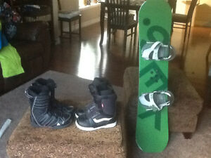 YES 120 cm Snowboard, bindings and boots Kitchener / Waterloo Kitchener Area image 1