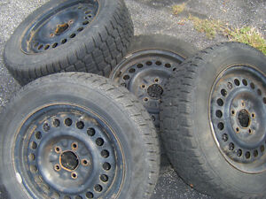Set of 205/60R15 Hercules winter tires plus rims