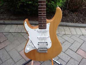 Yamaha Pacifica electric guitar, Left handed guitar London Ontario image 2