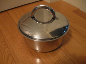 "7"" ""CASA ELITE"" [stamped] STAINLESS STEEL POT & COVER [flawed]"